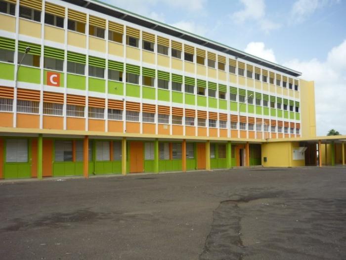 Une lycéenne tabassée aux abords du lycée Chevalier de Saint-Georges