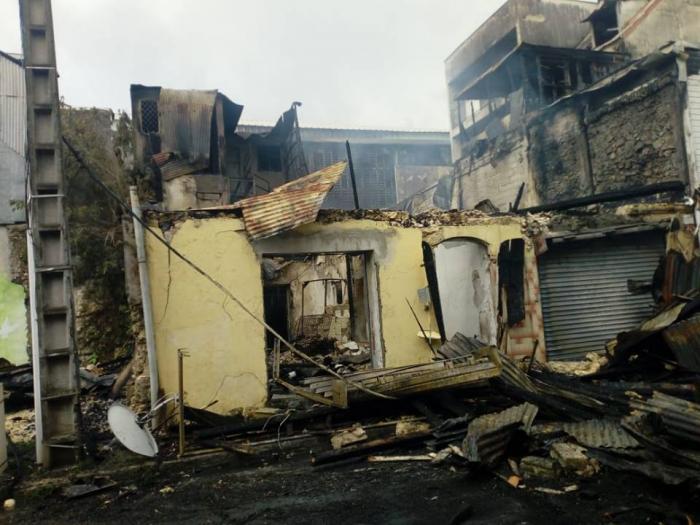 Une maison ravagée par les flammes: aucune victime à déplorer