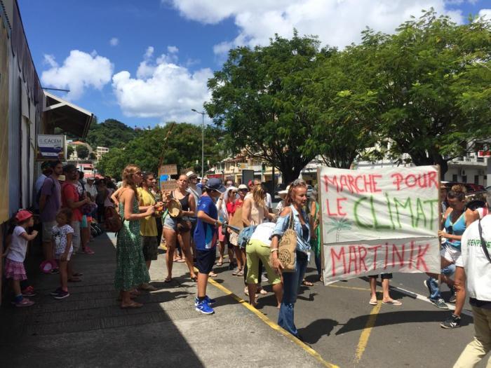 Une marche pour le climat dans les rues de Fort-de-France