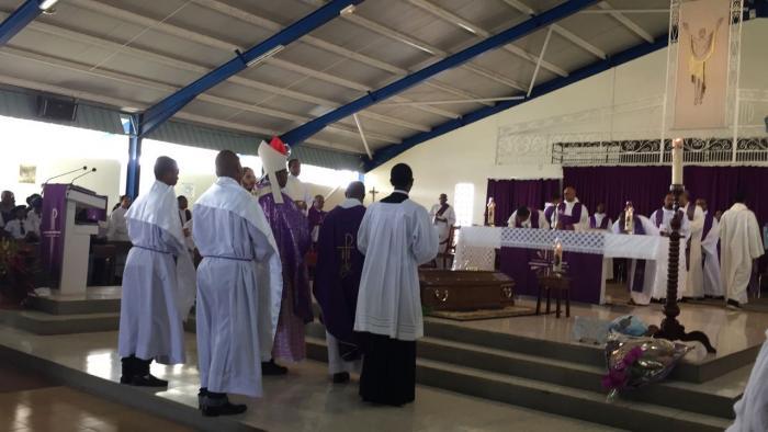 Une messe en hommage au père Claude Anglio