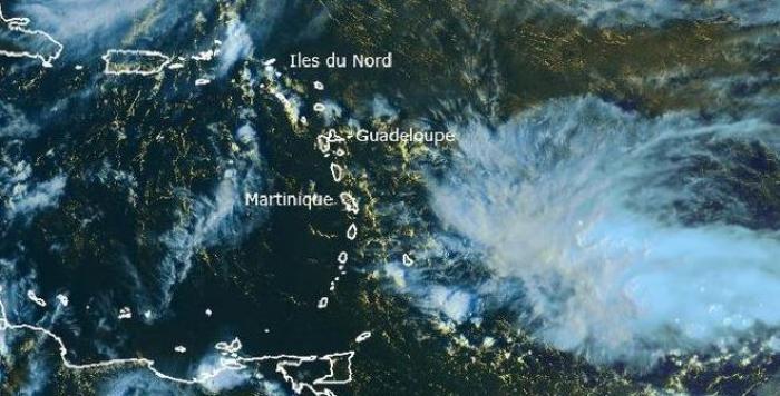 Une onde tropicale active approche : la Martinique en jaune