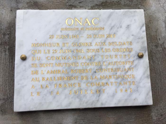 Une plaque à la mémoire des soldats du BMA5