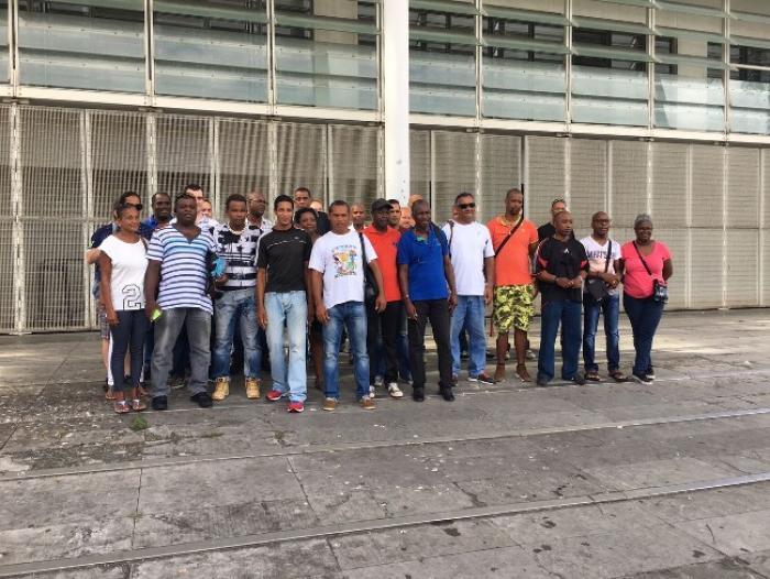 Une vingtaine de policiers mobilisée ce matin devant le palais de justice de Fort-de-France