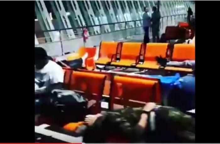 [Vidéo] Grève des avitailleurs, panne : des passagers passent la nuit dans l'aéroport de Pointe-à-Pitre