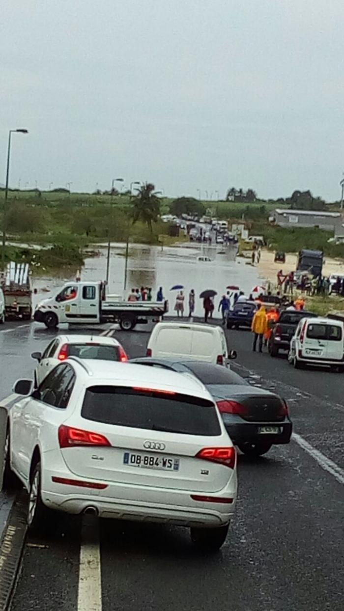 Vigilance météo : fortes pluies et inondations par endroit
