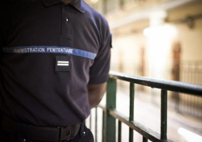 """Violences sur agent : """"son nez est venu sur mon pied"""""""